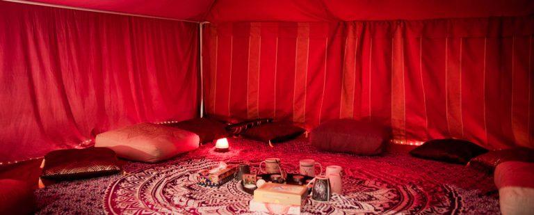 Tente rouge intérieur